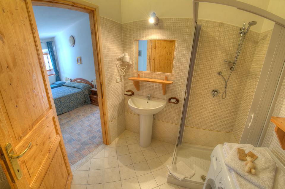 Appartamenti de sanctis villetta barrea for Bagno 7 bis lignano pineta